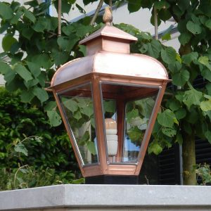 Buitenlamp op hek maatwerk en uniek