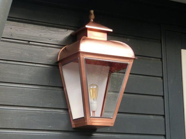 Grote gevellamp muurmodel gemaakt van koper
