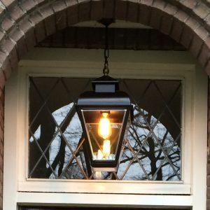 Hanglamp voor in een portiek jaren 30 woning nostalgisch