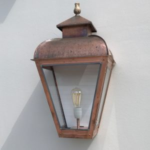Wandlamp groot de perfecte buitenverlichting voor een villa of landhuis