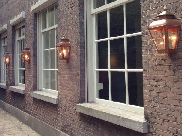 lamp voor op een gallerij of portiek, loft of penthouse