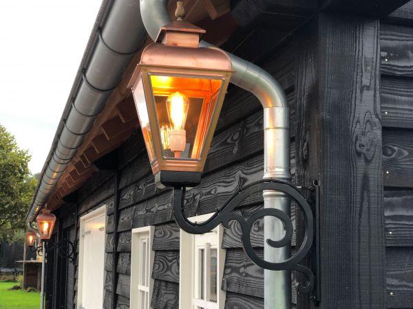 Nostalgische buitenlamp voor aan de schuur of uw huis