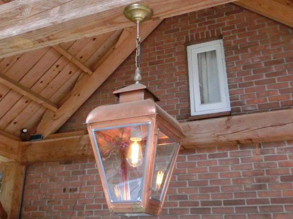 Hanglamp aan ketting voor onder de veranda