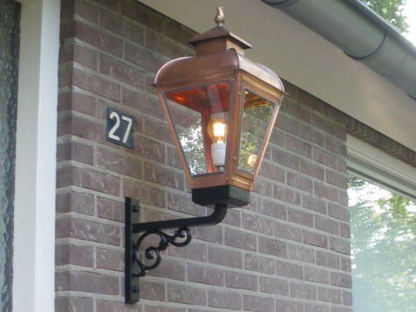 Muurlamp koper een mooi stuk handwerk uit eigen werkplaats