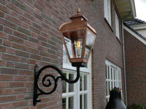 Buitenlamp Jan van der Heyden geïnspireerd