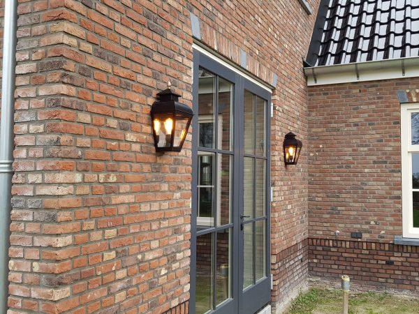 Buitenlampen voor bij de achter deur of terras.