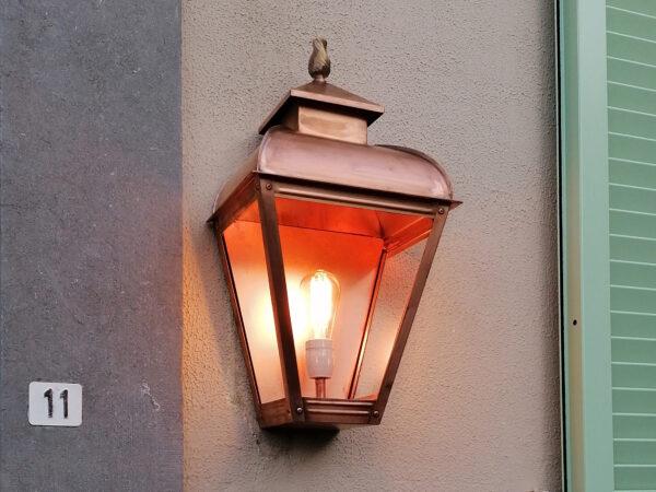 buitenlamp koper hangend bij de entree