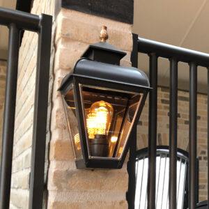 Wandlamp antraciet voor onder veranda of paardenstal