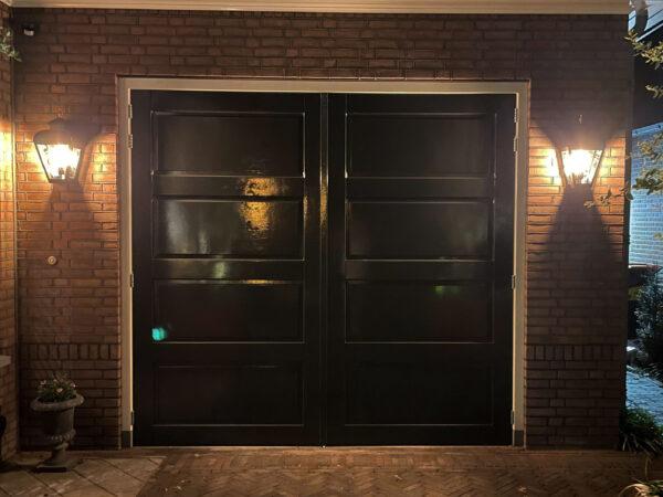 verlichting bij de garagedeuren