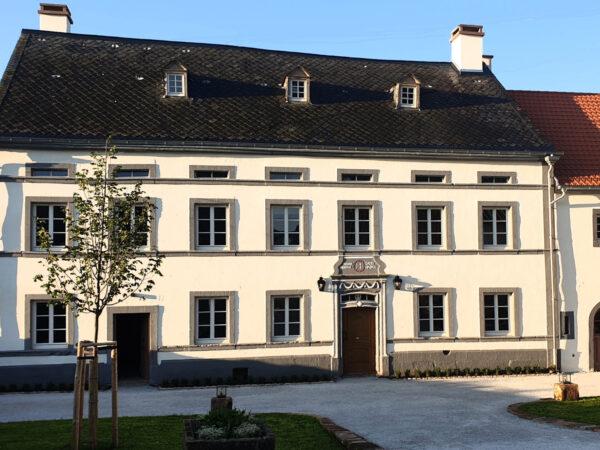 buitenlamp aan Duits monumentaal huis