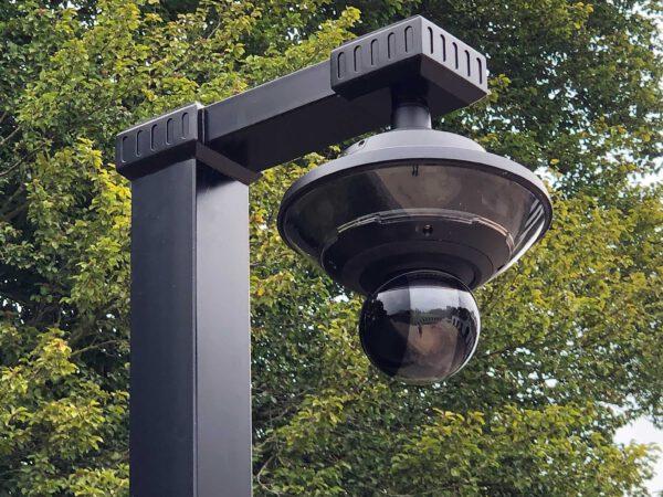 Axis Q 360 graden beveiligingscamera aan mooie rvs paal